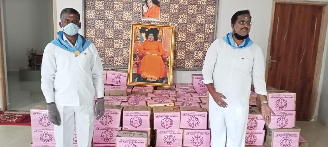 Distribution of Amritha Kalasam kits ~ Vellore district, Tamil Nadu